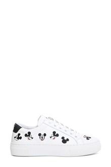 MOA White sneaker
