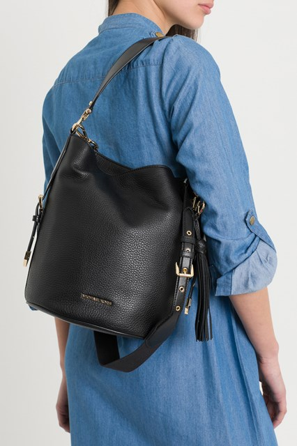 02f2660628d3 Women Brooke Medium Pebbled Leather Bucket Bag disponibile su ...