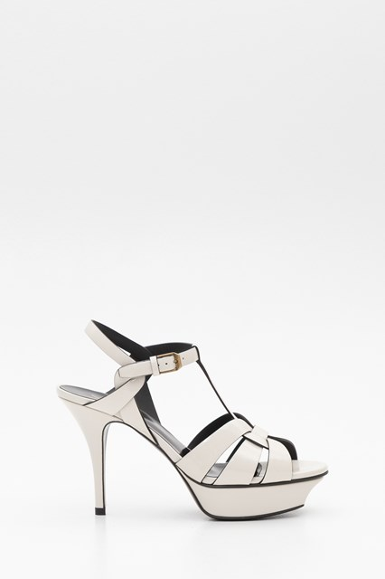 Women Triubute sandals in patent leather disponibile su ...