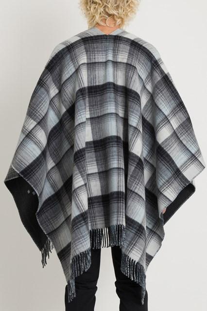 5febd1a04d7 Men Reversible GG wool poncho disponibile su gaudenziboutique.com