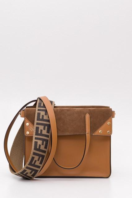 3ee240c05f6 Women Small Flip tote bag disponibile su gaudenziboutique.com