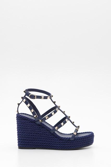 aa880b4f112c Women Rockstud platform sandals disponibile su gaudenziboutique.com